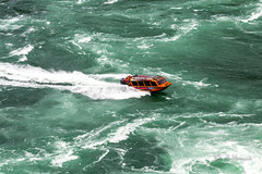 Niagara Jet - Whirlpool Rapids (Ali Yamaner) Tags: niagara river whirlpool rapids canada ontario new york usa jet