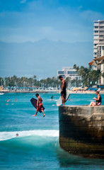IMG_7369.jpg (mandrestes) Tags: sports hawaii surf waikiki paddle streetphotography duke surfing walls bodyboard watersport surfrider dukekahanamoku standuppaddle surfboardwaterpolo surders