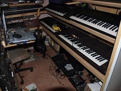 LP158642 (LoxPix2) Tags: boss music studio guitar fender synth roland korg yamaha emu gibson akai novation alesis kawai maudio behringer kurzweil teisco ensoniq tapco rogerlinn loxpix