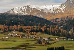 Swiss landscape... (janjaalugano) Tags: autumn canon schweiz switzerland suisse bergen svizzera autunno montagna g12 grisons susse poweshot grigionii