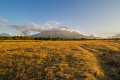 Magic hour in Bali (Bali Adventure Guide) Tags: sunset bali mountain field volcano climb mount gunung agung kubu