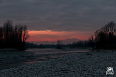 Ticino sunset (andrea.prave) Tags: park sunset wild sky italy parco milan nature water gua clouds ro river atardecer ticino zonsondergang agua eau wasser tramonto nuvole sonnenuntergang wildlife fiume himmel wolken natura rivire cu prdosol ciel cielo nubes nuvens monterosa nuages  fluss acqua  vatten  vann  solnedgang  solnedgng elv puestadelsol   coucherdusoleil  nehir     flod             cuggiono  castellettodicuggiono