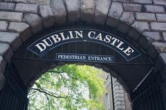 Pedestrian Entrance. (irenejimenez1) Tags: dublin irlanda ireland dublincastle citycenter city castillo castle canontime canonspain canon reflex camera beautifulplace loveit wonderful