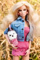 Albina (astramaore) Tags: dog city prowl eugenia perrin frost blonde curly pink summer 16 fashion fashionroyalty fashiondoll jeans hazeleyes fulllips chic beauty glamour integritytoys dollphotography astramaore