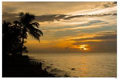 Termina el da (1mrz) Tags: cuba paisaje beach playa summer verano landscape water clounds sun caribean palmeras atardecer
