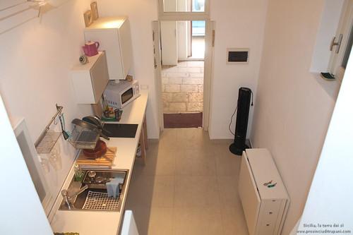 Trapani_Sicilia_occidentale_appartamento_La_Concoide_cucina_affitto_turismo_vacanze