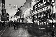 Bewley's Grafton Street at Christmas (BOCP) Tags: bewleys cafe graftonstreet christmaslights christmas dublin ireland street people blackandwhite monochrome streetscape cityscape city urbanlandscape travel architecture motionblur slowshutterspeed wideangle