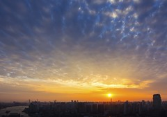The last light, Shanghai (YG Low) Tags: canon 60d tokina 1224 cityscape evening sunset tokinaaf1224mmf4