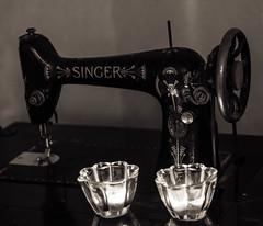 Analog symaskin (Johan Fredlund) Tags: analog 50mm 50mmstm 50stm canon canonpower canon7d fotosondag fotosndag hammarfoto fs161113