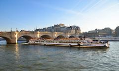 Pont Neuf, Paris (Dominique ALLAIN) Tags: bateaumouche boat ferryboat tourists paris france seineriver bridge pontneuf