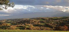 fin de journe d'automne (64) (Jeanne Valois 64) Tags: nuage foehn pyrnes barn france aquitaine automne ombre pimontpyrnen couleur crte
