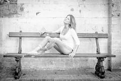 Coline (silvestroantonella) Tags: portrait canon happy 50mm photo shoot bruxelles pensive joie banc nuance coline d550 pensif