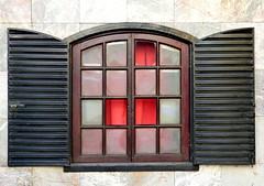 1/6 I was photographing this beautiful window ... (Raul Jaso) Tags: windows window ventana finestra ventanas fz finestre fz150 panasonicfzseries panasonicfz150 rauljaso rauljasofotografia rauljasophotography