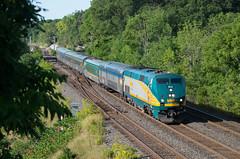 Via Rail 902 with train #80 (Glenn Courtney) Tags: railroad ontario train hamilton railway via bayview viarail passenger 80 canadiannational on 902