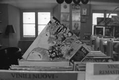 (Alice Barigelli) Tags: blackandwhite music darkroom vintage vinyl lp musica beatles revolver ilford biancoenero negoziodidischi musicshop dischi vinile cameraoscura vinylshop vinili