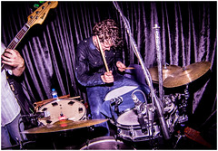 Cats&Breakkies @KargArt Istanbul (Stephan Noë) Tags: november concert drum bass flash 14 istanbul fisheye m42 drummer konzert 2014 kadıköy karga zenitar16mmf28 russianlense kargart catsbreakkies