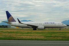 N18223 (United Airlines) (Steelhead 2010) Tags: boeing yvr unitedairlines b737 b737800 nreg n18223