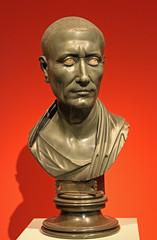 Green Caesar (f_snarfel) Tags: museumsinsel altesmuseumberlin antikensammlungberlin staatlichemuseenberlin grünercaesar greencaesar