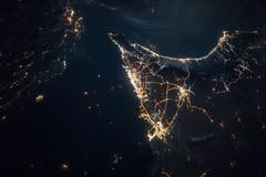 iss049e007067 Dubai & Abu Dhabi at Night (NASA Johnson) Tags: dubai night abu dhabi iss