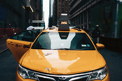 weekend advisory (Dj Poe) Tags: taxi cab cabbie yellowtaxi andrewmohrer zeiss djpoe 2016 cinema cinematic candid street streets color tones carlzeisslenses planar sony availablelight people planart250 zm sonyilce7rm2