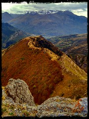Desde la cumbre del Pacino (boni_villasirga) Tags: instagram paisaje landscape pirineo pirineos pyrenees mountain mountains montaas otoo autumn nature naturaleza espaa spain huesca aragn valledetena formigal sallentdegllego pixlr