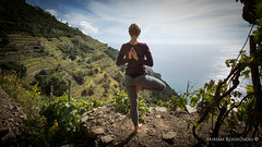 cinque-terre-Manarola-yoga-Monterosso-photo-miriam-rossignoli-local-photographer-sea (Miriam Rossignoli) Tags: madonnadimontenero cinqueterre corniglia localphotographer manarola miriamrossignoli monterosso photos riomaggiore sanbernardino vernazza volastra yoga meditation massage holistic