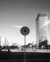 (idiotsarewinning) Tags: la dfense target cible architecture paris landscape