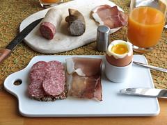 Stracke und Schinkenspeck auf Oldenburger Vollkornbrot zum Frhstcksei (multipel_bleiben) Tags: essen frhstck schweinefleisch wurst ei
