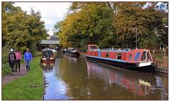 Trains and boats and...feet (geoff7918) Tags: 1010marylebone birmingham 82302 lapworth narrowboats stratfordcanal grandunion walkers