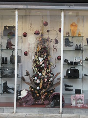 5/12/2016, 340/365,  Townrow shop window IMG_0649 (tomylees) Tags: december 2016 5th monday braintree essex project 365 shop townrow christmas tree