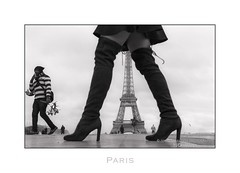 Paris n89 - Trocadero (Nico Geerlings) Tags: ngimages nicogeerlings nicogeerlingsphotography leicammonochrom 50mm summilux toureiffel eiffeltower eiffeltoren paris parijs france palaisdeschaillot placedutrocadero fashion model