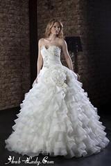فساتين زفاف فاخرة ستدهشكِ بجمالها (Arab.Lady) Tags: فساتين زفاف فاخرة ستدهشكِ بجمالها