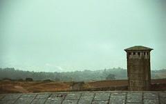 0068_Nikon F100_exp 07-2009 Kodacolor ISO200_Portugal 2016-10-13 Almeida_041 (nefotografas) Tags: triptoportugal nikonf100 sigmalens 28300mm expired 072009 kodacolor iso200 portugal almeida