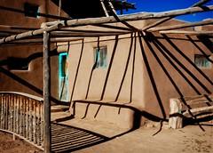 Pueblo House at Taos Pueblo (Alan Amati) Tags: amati alanamati america american usa us southwest sw nm newmexico taos taospueblo pueblo nativeamerican native indian rays shadow shadows dweling adobe house lines