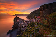 Vernazza sunset (Maurizio Fontana) Tags: blue sunset red sea sky italy panorama color water colors nikon long italia tramonto mare colore blu 5 liguria exposition cielo lee terre cinqueterre filters vernazza acqua rosso colori cinque d800 fivelands