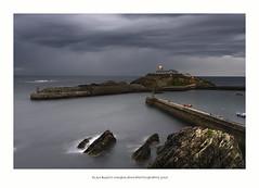 Tapia de casariego (PITUSA 2) Tags: naturaleza mar lluvia asturias paisaje viento amanecer cielo tormenta tapiadecasariego espigón pitusa2 elsabustomagdalena