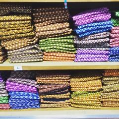 กางเกงเล #ลายผ้าถุงไทย มีทั้งแบบยางยืดและแบบเอวผูก เป๊นฟรีไซส์ สามารถสั่งตัดขนาดพิเศษได้ตามรูปแบบที่ต้องการ                                            ❗️Made to Order : tel. +66828886624                                   ✅Line
