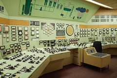 Kernkraftwerk Rheinsberg (elisachris) Tags: ddr brandenburg industrie ricohgr gdr urbex nuclearpowerplant industrialculture kernkraftwerkrheinsberg