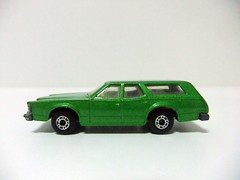 MERCURY COUGAR VILLAGER N 74 - MATCHBOX (RMJ68) Tags: cars station wagon toy mercury 1977 cougar coches matchbox juguete villager diecast lesney superfast