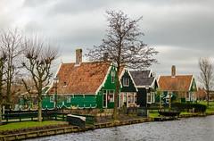_DML1487 (duncen.mcleod) Tags: windmill ren marken zaanseschans molens paardvanmarken oudehuisjes