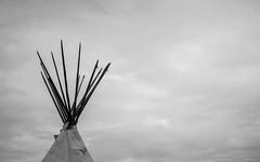 Lanzas cruzadas (Koke Hernn) Tags: sky blackandwhite bw blancoynegro clouds outdoors blackwhite sticks spain nikon day cloudy indian bn teepee 18 tipi palencia nikond3200 indianvillage 2015 castillayleon villarmentero d3200