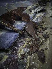 Damaged Asbestos Floor Tile Under Carpet (Asbestorama) Tags: broken tile risk floor inspection safety flooring damaged survey chipped hazard ih fragment asbestos fractured friable