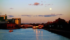 Boat Bridge pub n moon (plot19) Tags: uk bridge sunset england moon english water manchester photography boat northwest sony north salfordquays quay northern salford quays lowry rx100 shipcanel plot19