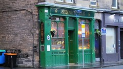 Bennets Bar 01 (byronv2) Tags: colour building green architecture bar pub edinburgh dusk bennets tollcross edimbourg homestreet bennetsbar