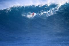 IMG_4099 copy (Aaron Lynton) Tags: peahi lyntonproductions canon 7d maui hawaii xll xxl bigwave big wave wsl surf surfig surfing jaws peahichallenge