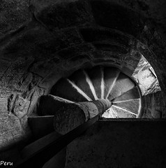 Espiral (Perurena) Tags: espiral escaleras stairs peldaos escalerasdecaracolpiedra stone arquitectura monasterio mosteiro sanlorenzodecarboeiro silleda pontevedra galicia