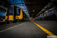 CreweRailStation2016.10.22-54 (Robert Mann MA Photography) Tags: crewerailstation crewestation crewe cheshire station trainstation trainstations train trains railway railways railwaystation railwaystations railstations railstation virgintrains virgintrainspendolino class390 class390pendolino pendolino northern northernrail class323 eastmidlandstrains class153 class350 desiro class350desiro arrivatrainswales class158 towns town towncentre crewetowncentre architecture nightscapes nightscape 2016 autumn saturday 22ndoctober2016 londonmidland