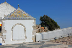 Sitio (hans pohl) Tags: portugal nazar faades architecture toits roofs sunny ensoleill churchs eglises