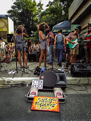 Show in street (Gustavo Pedrosa P. Prado de Lima) Tags: street selfie brasil guys adesivo photos ruas people performance portrait park avenue nice show music