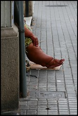 Barcelona (abudulla.saheem) Tags: notethetrippinghazard stolperfalle pierna leg bein pie foot fus barcelona catalunya espanya españa spain spanien panasonic lumix dmctz101 abudullasaheem